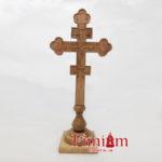 Хрест на підставці